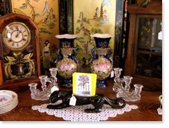 Antiques pic-c-table2