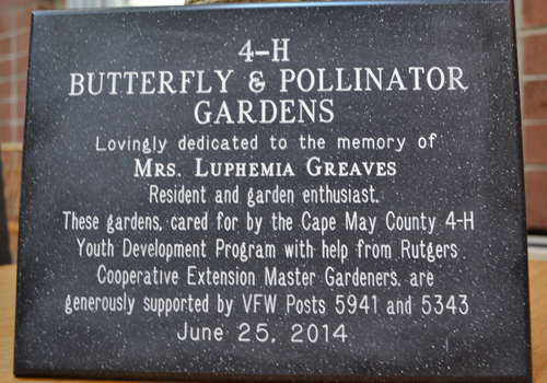 Crest Haven Dedicates New Memorial Gardens